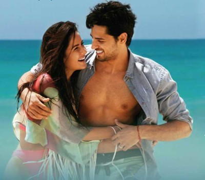 Sau Aasmaan lyrics from Baar Baar Dekho